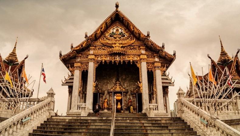 Wat Takien – Chùa Quan Tài Thái Lan có gì đặc biệt?